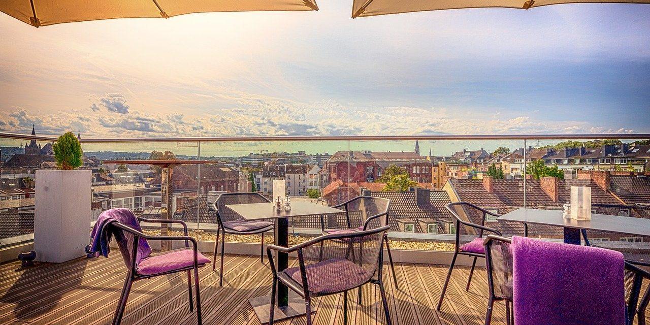 Combien de plots de terrasse acheter pour construire sa terrasse ?
