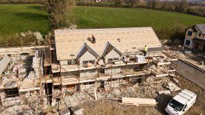 Chantier d un domicile avec toiture en cours
