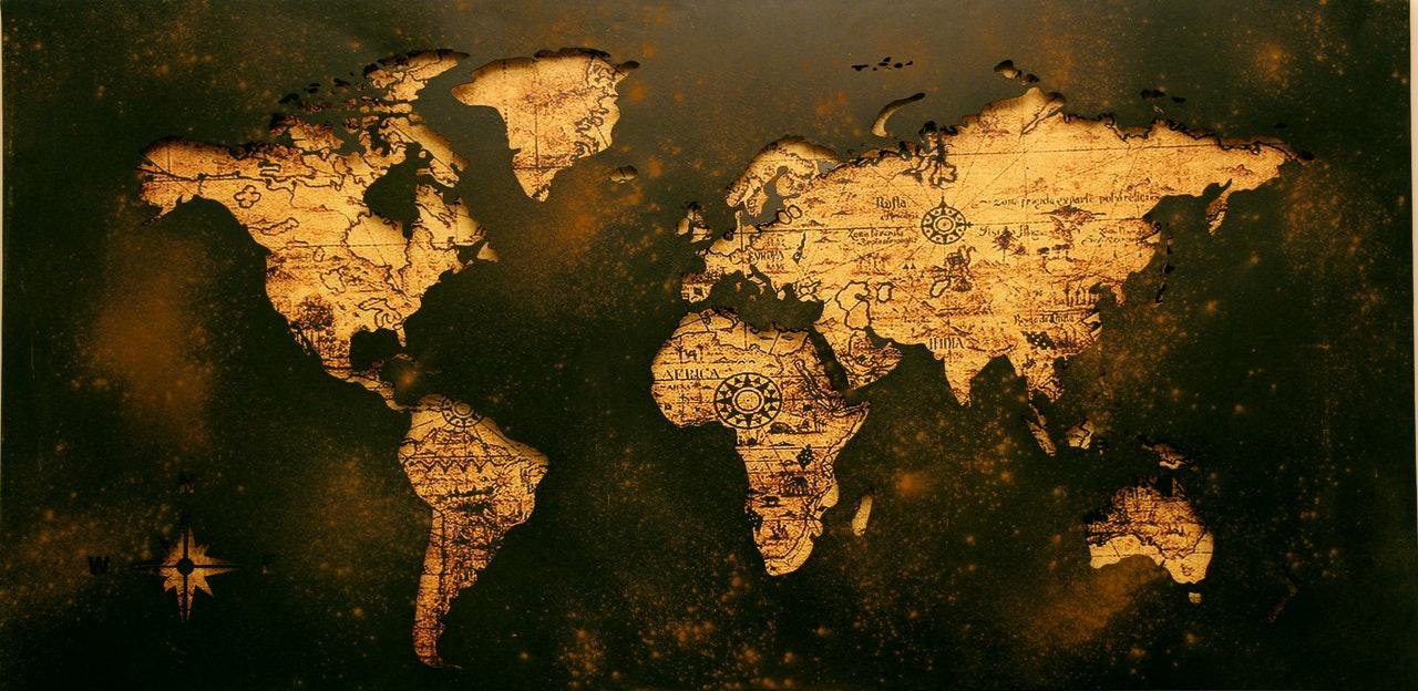 Idée Décoration intérieur : Une carte du monde en bois !