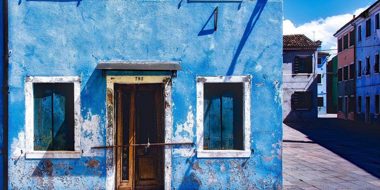 Quand faut-il envisager un ravalement de façade ?